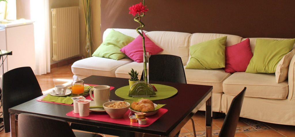 bb-salerno-bouganville-colazione-living