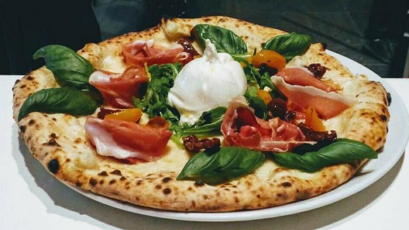 mangiare-pizza-a-salerno